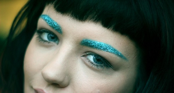 Blink Halloween Glitter Eyebrows