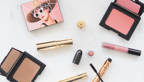 Blink Brow Bar Beauty Tips - What's in a Beauty Blogger's Make-Up Bag?
